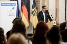 Dr. Stefan Wilhelmy, Leiter der Servicestelle Kommunen in der Einen Welt, bei der Preisverleihung Meine. Deine. Eine Welt. 2019