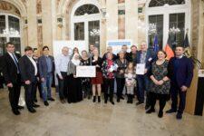 Gerlingen erhielt den 2. Preis in der Kategorie Kleine Kommunen beim Wettbewerb der landesweiten Initiative Meine. Deine. Eine Welt. 2019 der Stiftung Entwicklungszusammenarbeit Baden-Württemberg (SEZ).