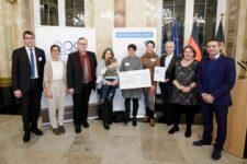 Möglingen erhielt den 3. Preis in der Kategorie Kleine Kommune beim landesweiten Wettbewerb Meine. Deine. Eine Welt. 2019 der Stiftung Entwicklungs-Zusammenarbeit Baden-Württemberg. Die Preisverleihung fand am 11. Dezember in Stuttgart statt.